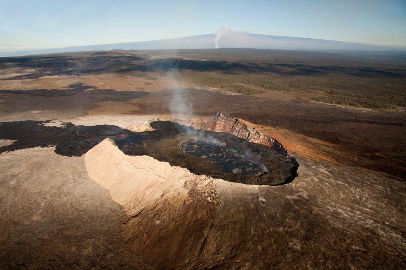 Mount Kilauea in Hawaii Erupts, ForcesEvacuations